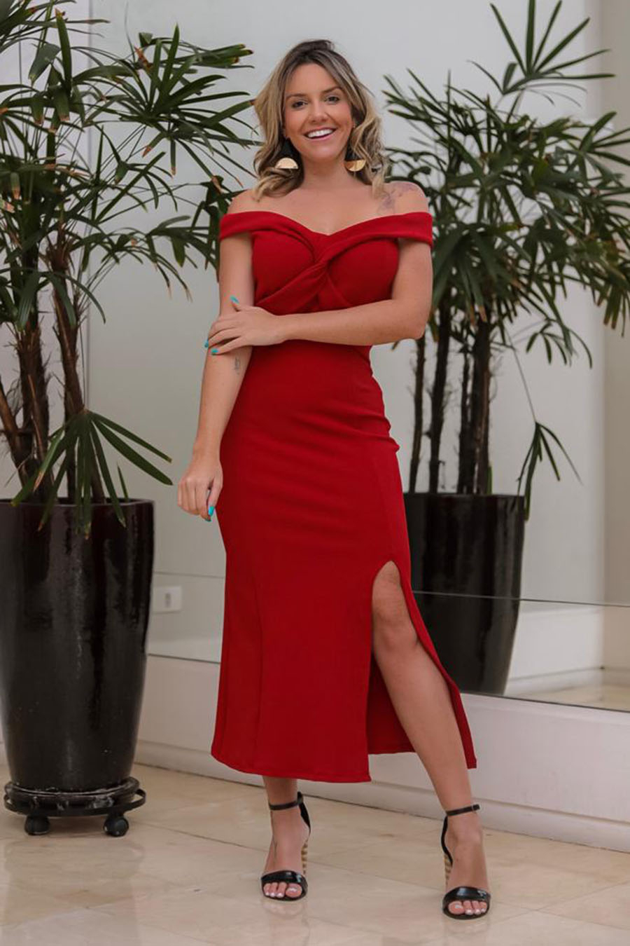 Vestido Midi Crepe Ombro a Ombro Cruzado Fenda Vermelho
