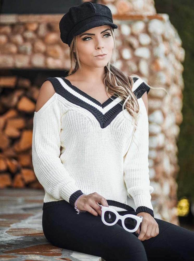 Blusa Tricot Decote V Ombro Vazado Branca