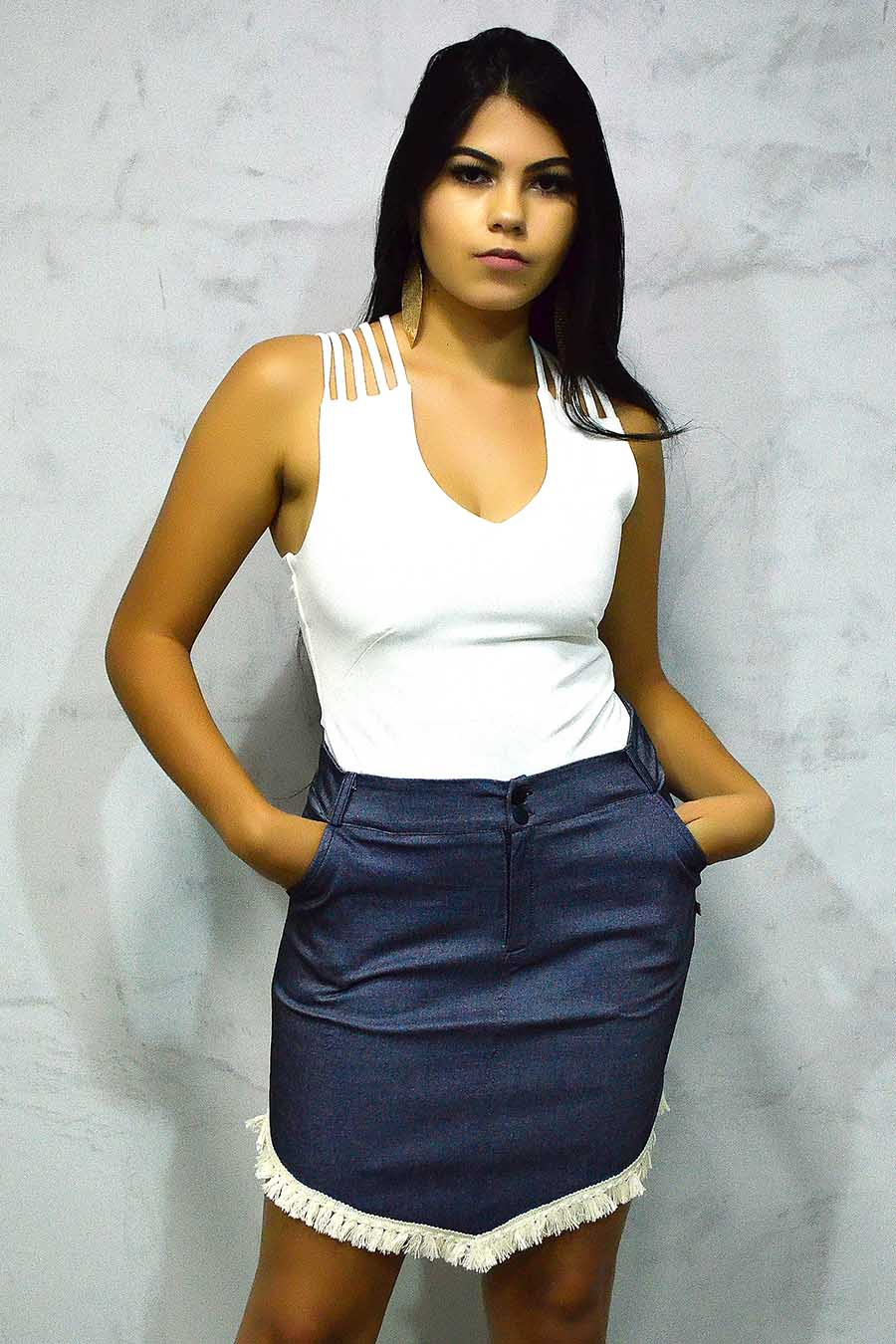 Saia Curta Jeans Azul Franjas Assimétricas