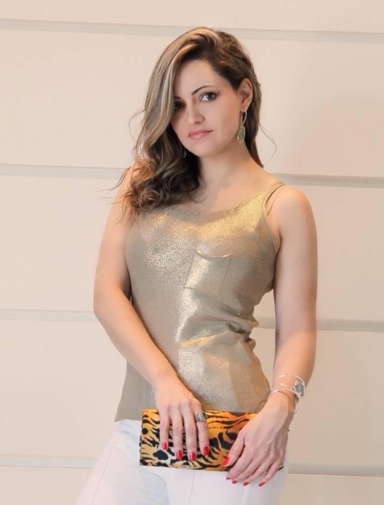 Blusa Regata Dourada Foil Lisa Bolso Frontal