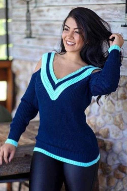 Blusa Tricot Decote V Ombro Vazado Azul