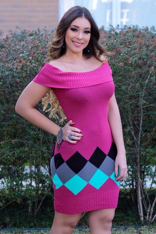 Vestido Curto Tricot Rosa Ombro a Ombro Barra Canelada