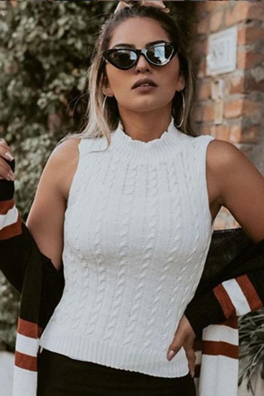 Blusa Tricot Sem Manga Gola Alta Branca