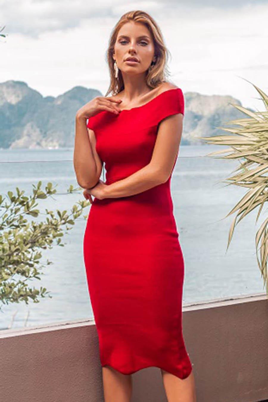 Vestido Midi Tricot Vazado Fenda Lateral Vermelho
