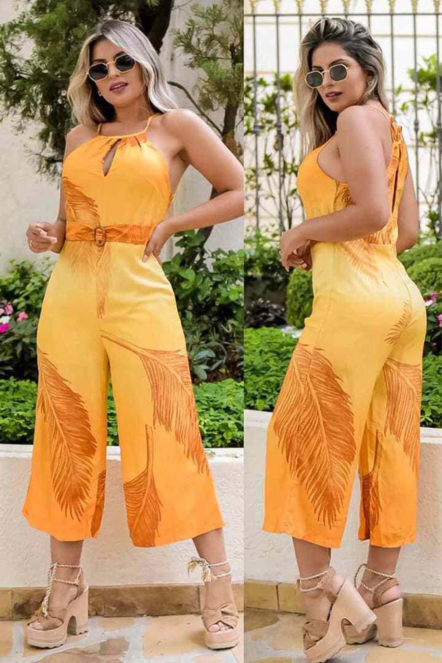 Macacão Pantacurt Decote Jóia Amarelo