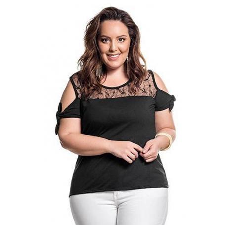 Blusa Plus Size Preta Ombro Aberto Detalhe Rendado